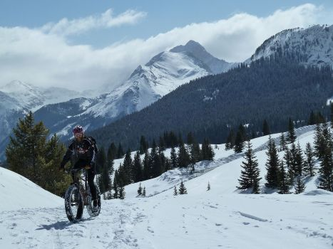 tb-grizzly_fatbike_MolasPass
